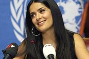 Salma Hayek védőoltásért kampányol
