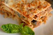 Cannelloni hússal és zöldségekkel töltve