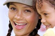 Thandie Newton nem szeretne szilikonmelleket