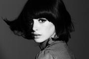 Anne Hathaway Chanel-függő