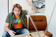 Férfi a tévé előtt – Sportimádat, avagy leplezett lustaság