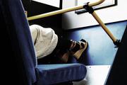 Flörtre buzdítanak a dán buszokon