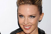 Kylie Minogue úgy kifeszült, mint Madonna
