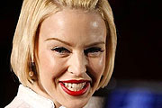 Kylie Minogue kifeszült