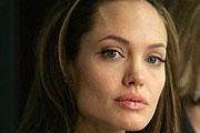 Angelina Jolie nem nyugszik
