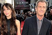 Mel Gibson üt és rasszista is
