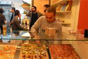 Pizzát a könyvesboltból!