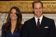Kate-nek és Vilmosnak még a csókot is gyakorolnia kell az esküvőre