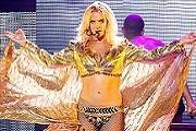 Britney őrült fellépőruhákkal várja a turnét