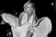 Elkelt Marilyn Monroe fehér ruhája