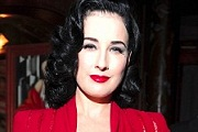 Dita Von Teese vintage hangulatú kollekciója