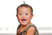 Mindenkit elbűvölt mosolyával a Down-kóros babamodell